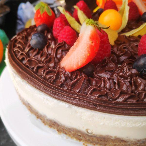 Alexa order a cake for me