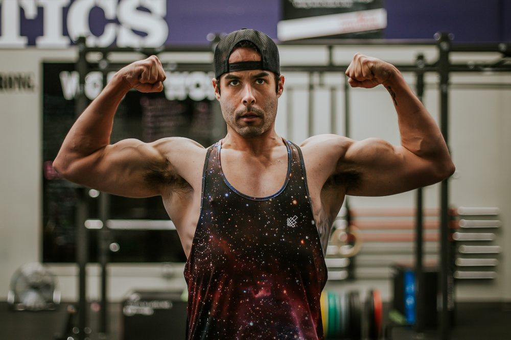 Vegan & muscles? It's something fictitious?-No, is Nick Schafer